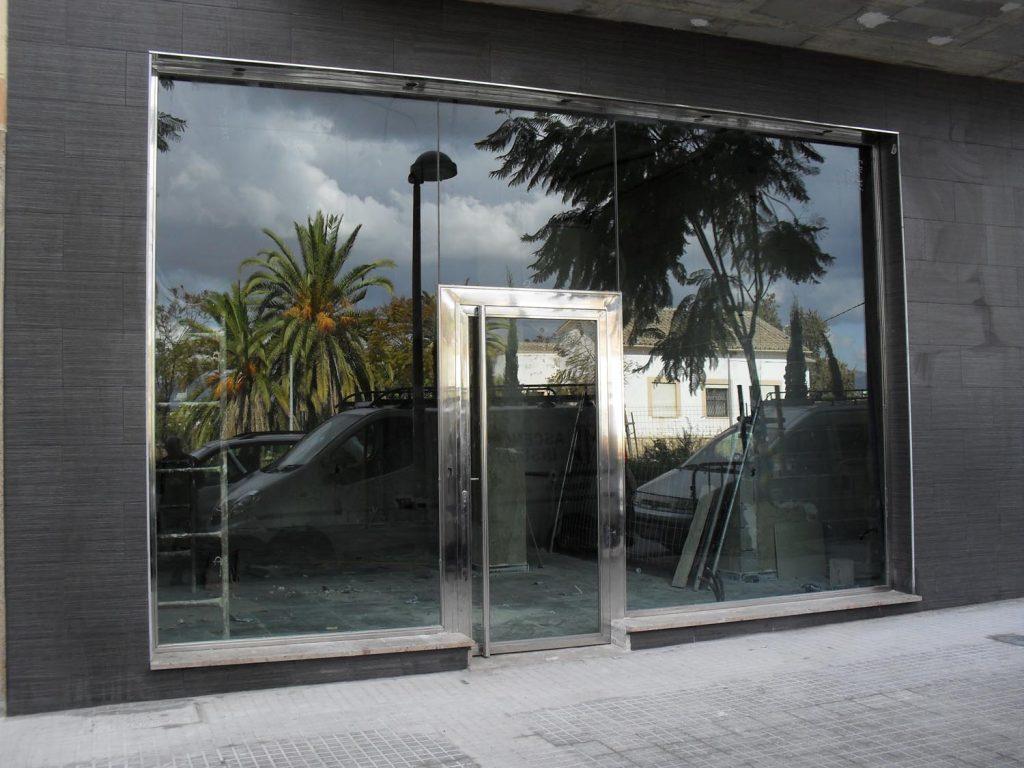 portales entrada edificio
