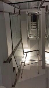 FABRICACIÓN de barandillas para escaleras de fincas.